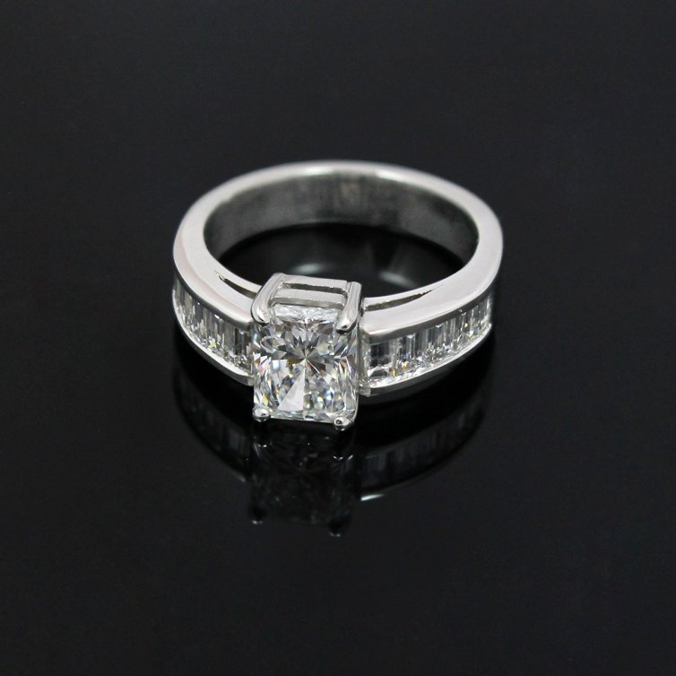 1.50 RADIANT CUT DIAMOND WITH CHANNEL SET BAGUETTES